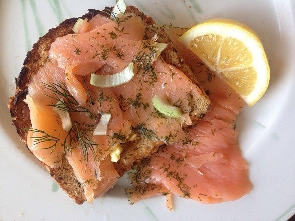 smoked salmon on bread