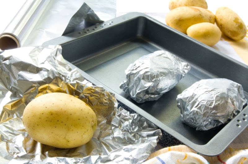 potato wrapped in aluminium foil